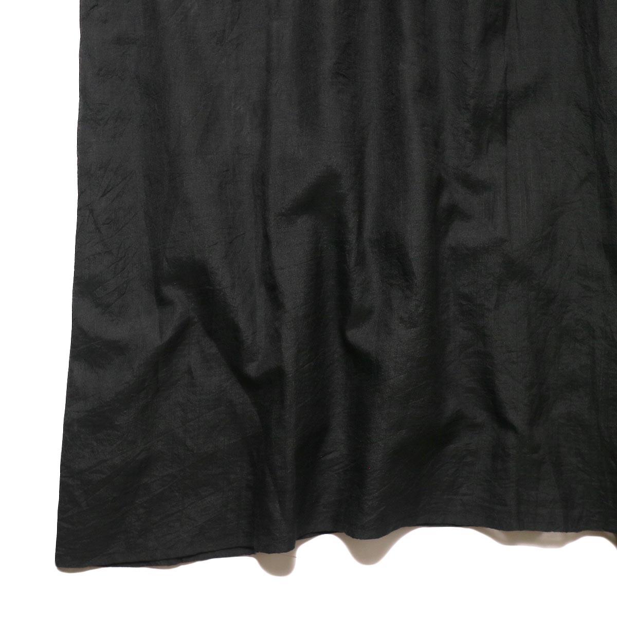 maison de soil / HAND WOVEN COTTON SILK × SILK PLAIN DROP SHOULDER DRESS (black) 裾