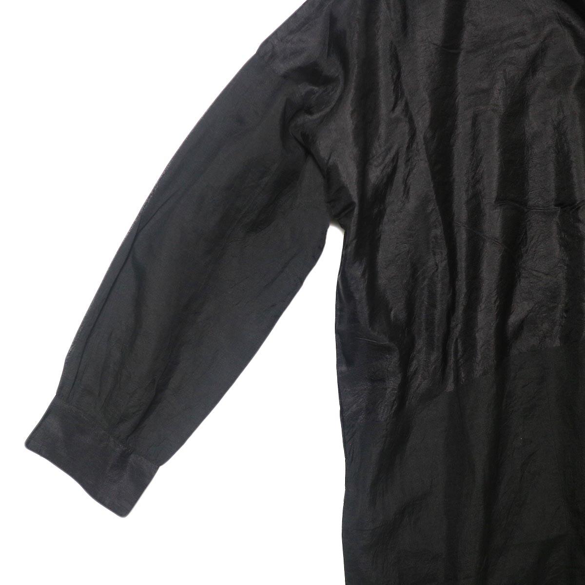 maison de soil / HAND WOVEN COTTON SILK × SILK PLAIN DROP SHOULDER DRESS (black) 素材切替アップ