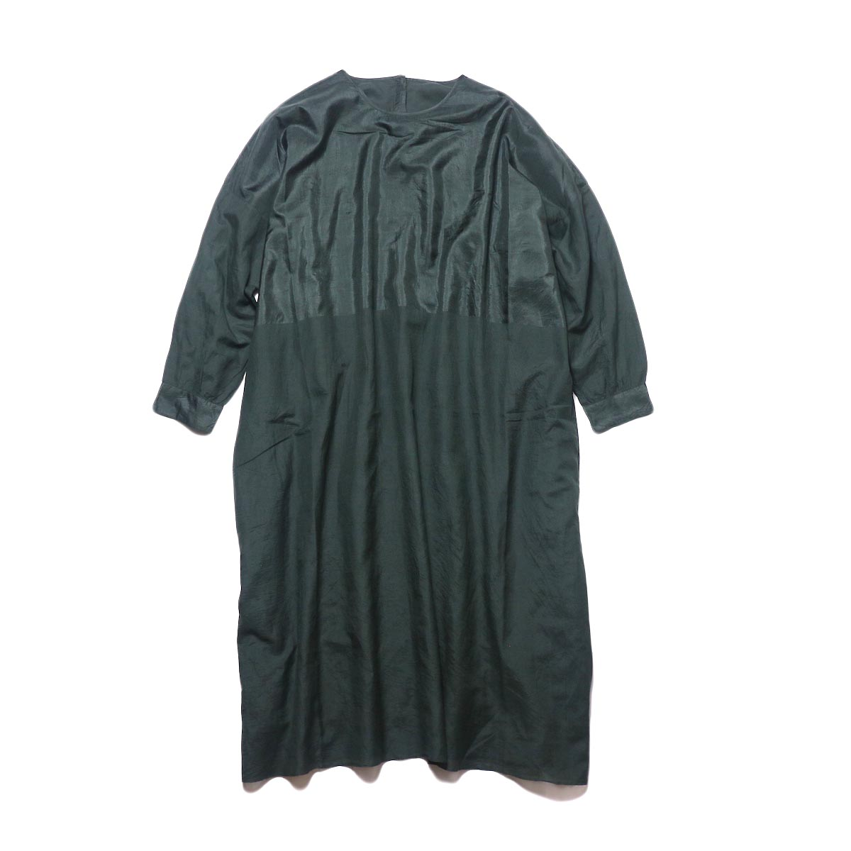 maison de soil / HAND WOVEN COTTON SILK × SILK PLAIN DROP SHOULDER DRESS (green) 正面