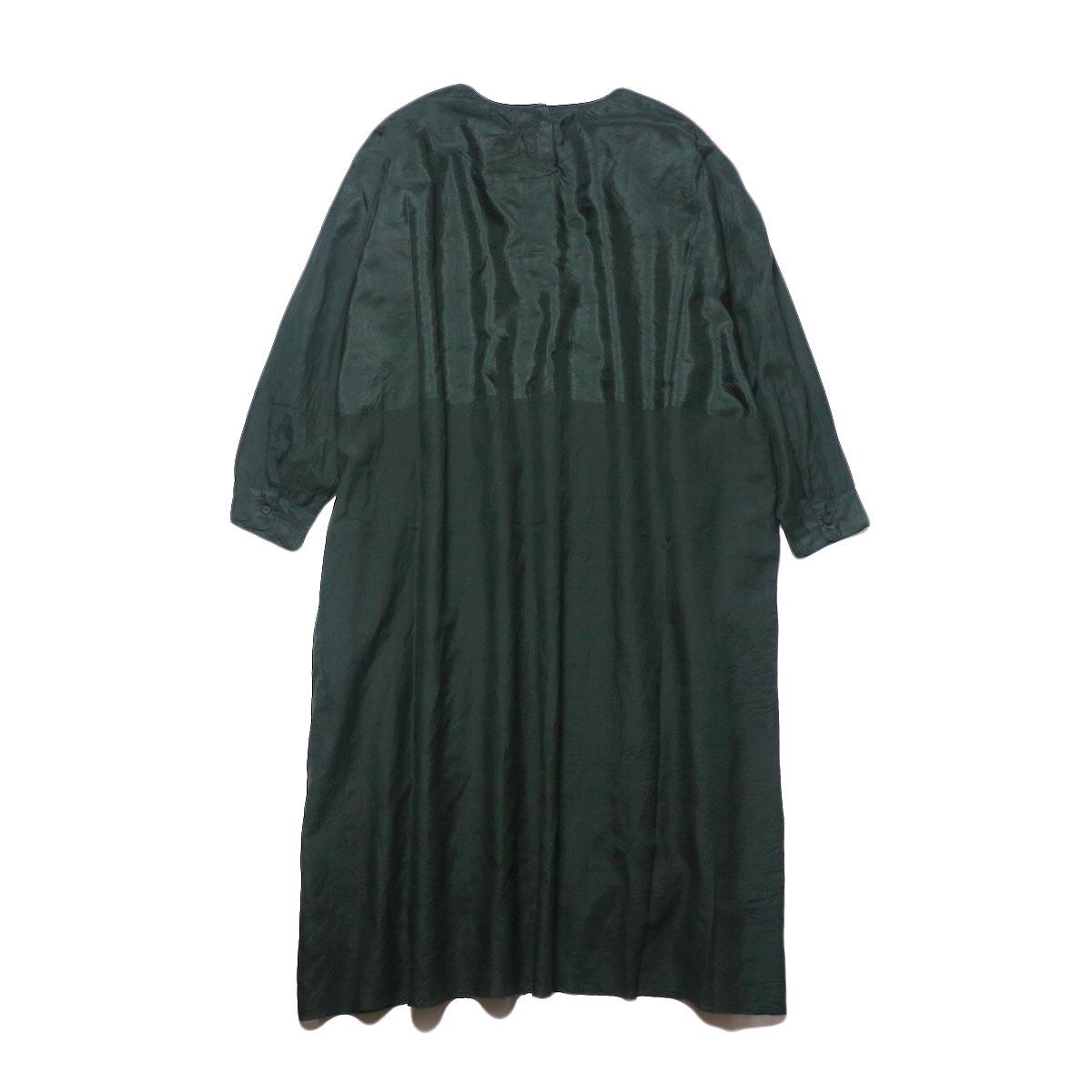 maison de soil / HAND WOVEN COTTON SILK × SILK PLAIN DROP SHOULDER DRESS (green) 背面