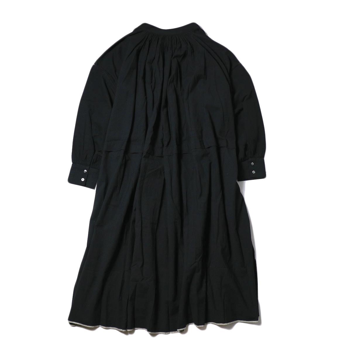maison de soil / NECK GATHERED DRESS (black) 背面