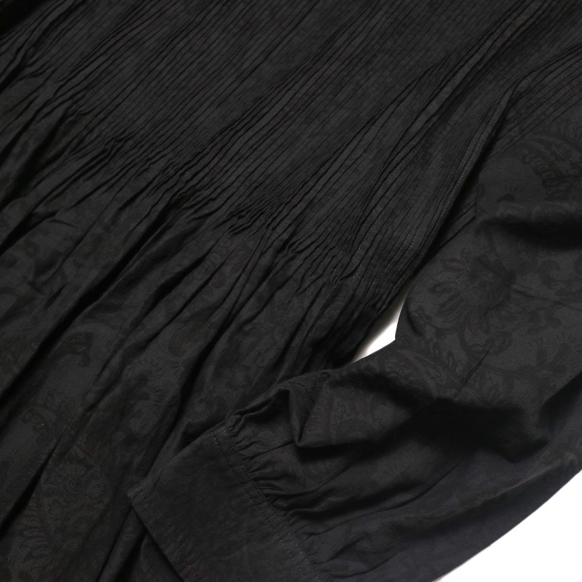 maison de soil / CREW-NECK P/O DRESS WITH MINI PINTUCK (charcoal×black paisley pront) ピンタック