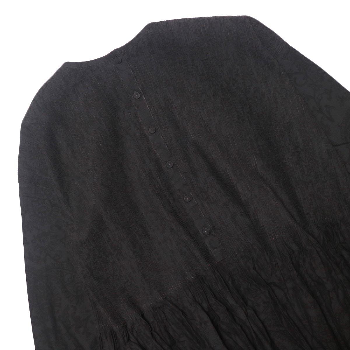 maison de soil / CREW-NECK P/O DRESS WITH MINI PINTUCK (charcoal×black paisley pront) 背面ボタン