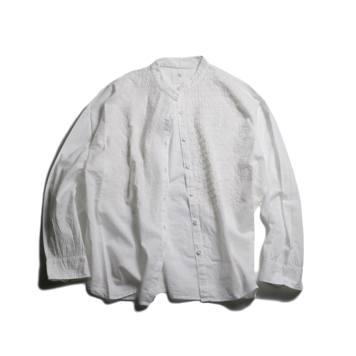 maison de soil / Band Collar EMB Shirt -White
