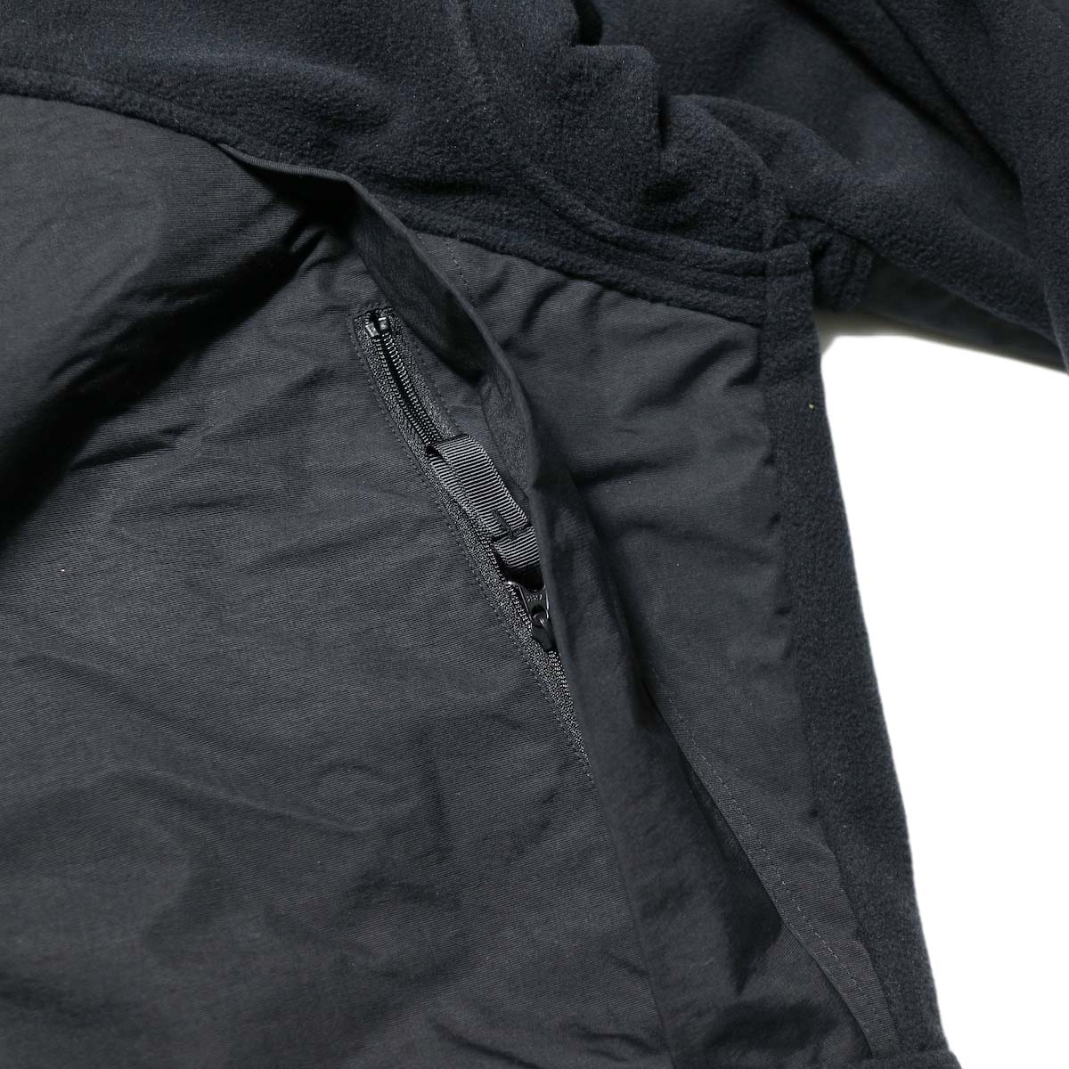 Marmot Histric Collection / Alpinist Tech Sweater (Black×Black)ポケット