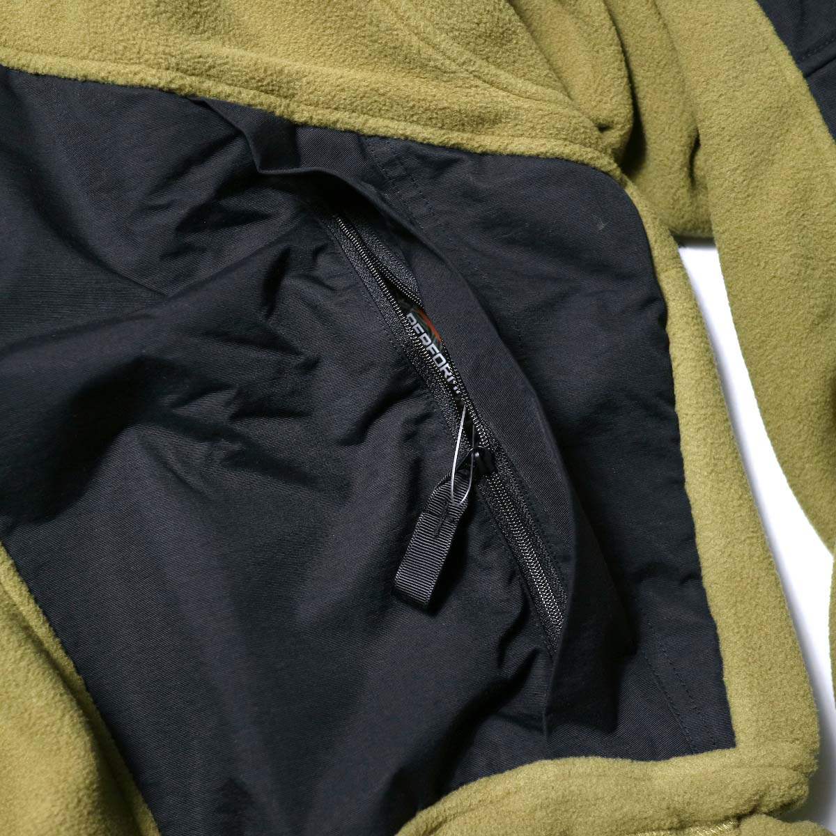Marmot Histric Collection / Alpinist Tech Sweater (Coyote×Black)ポケット