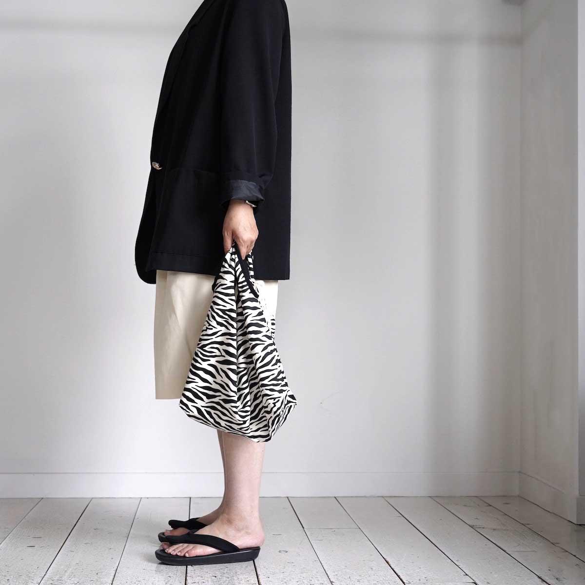 MASTER & Co. / ECO BAG SMALL (Zebra) 着用画像②