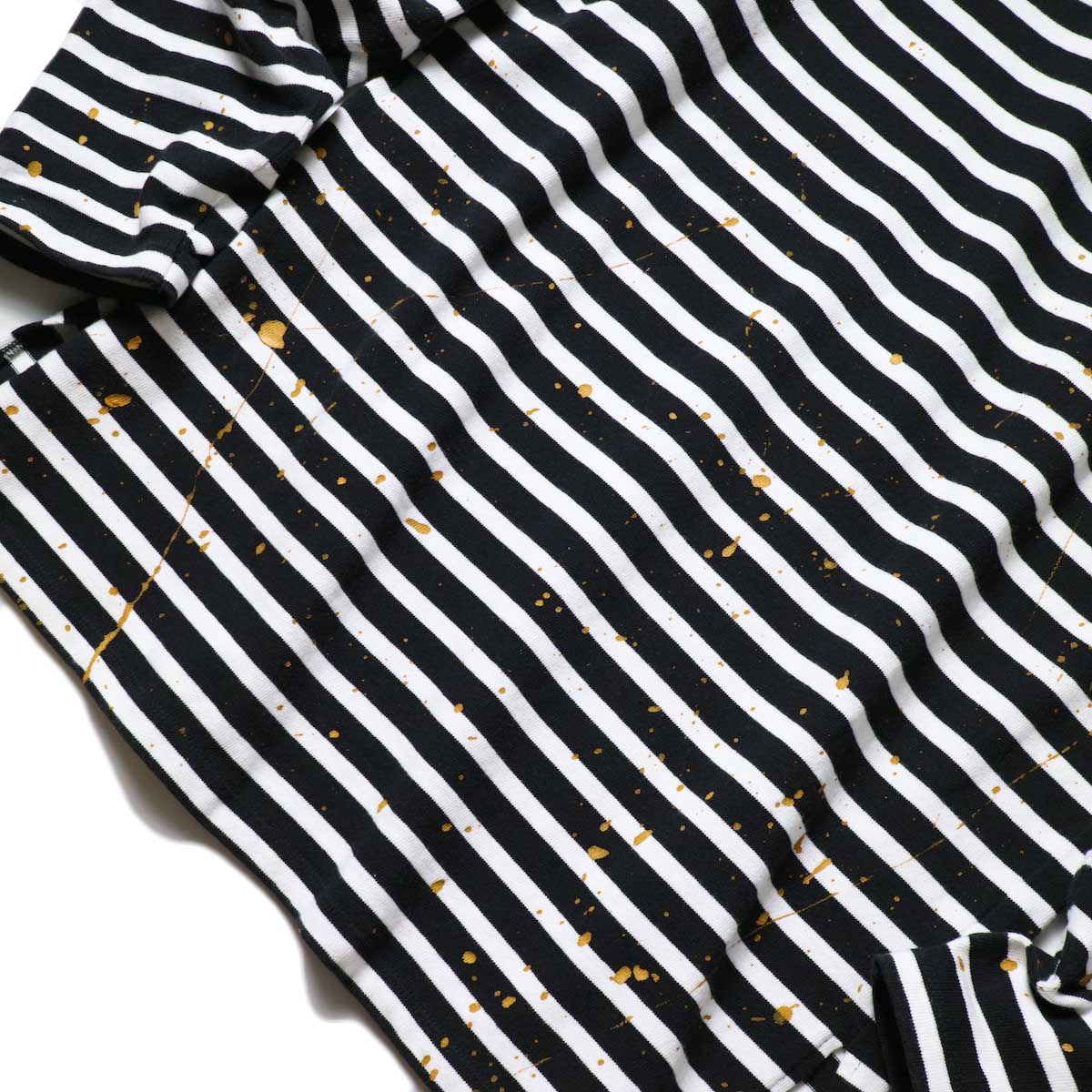 MASTER&Co. / BASQUE BORDER WITH PAINT (Black×White) 正面ペンキペイント