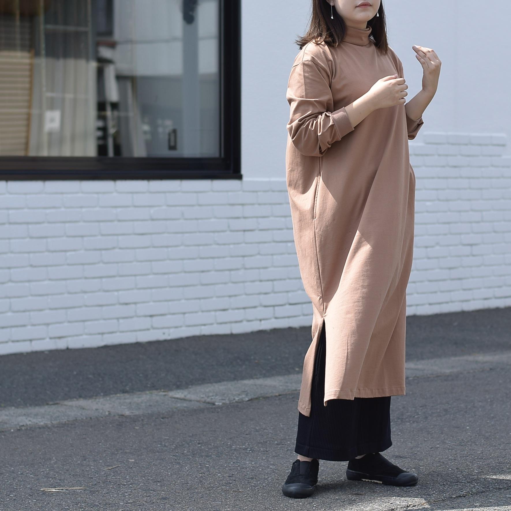 MY___ / YAAH LONG ONEPIECE TEE着用カラー brown1