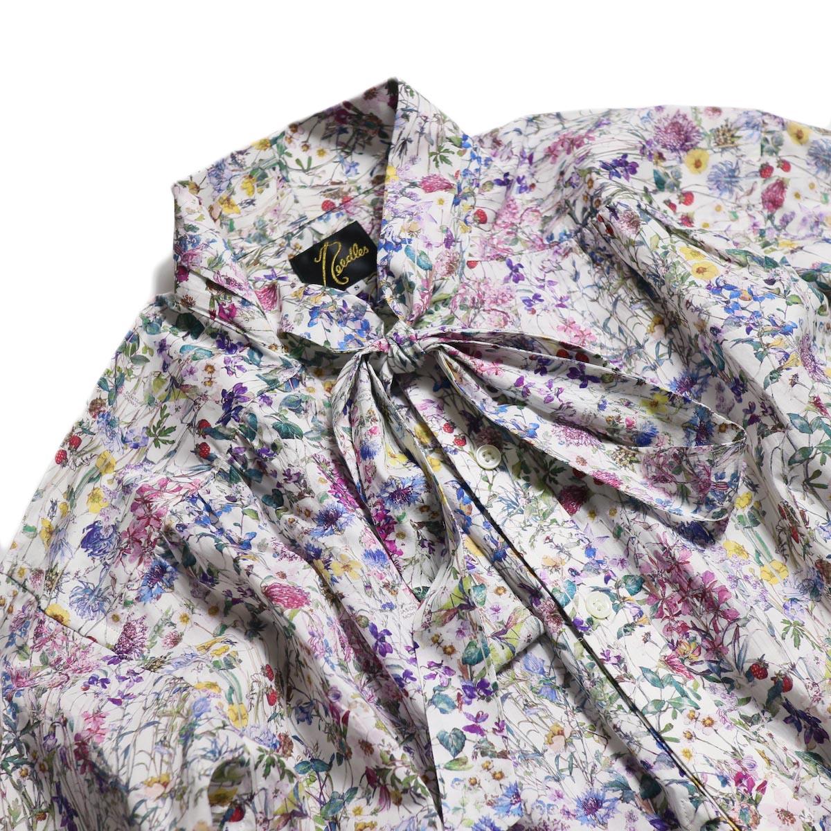 NEEDLES / Ascot Collar Edw Gather Shirt -Liberty Print(White) 襟元