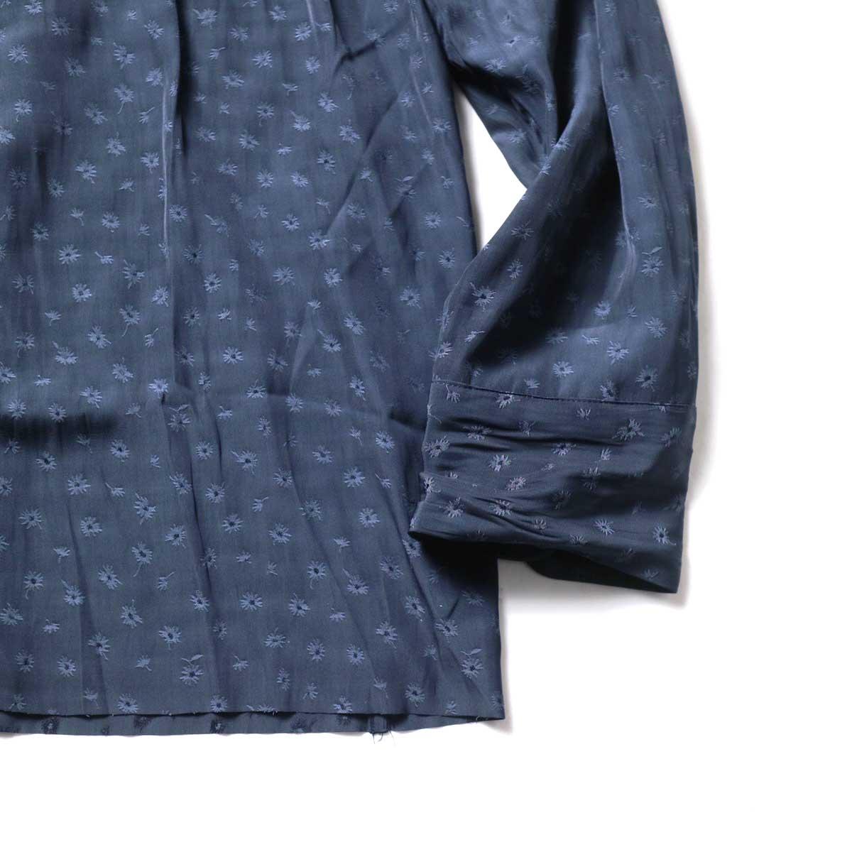 Needles / C.O.B. CLASSIC SHIRT - FLORET JQ. (Navy)袖、裾