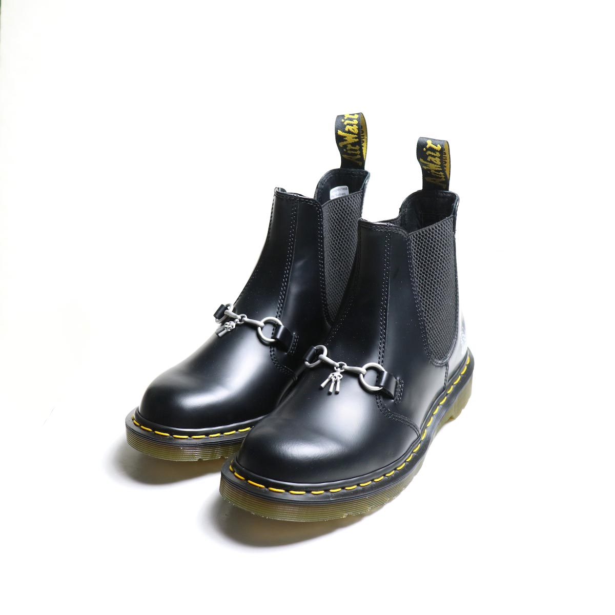 NEEDLES x DR. MARTENS / CHELSEAS BOOT With BIT正面