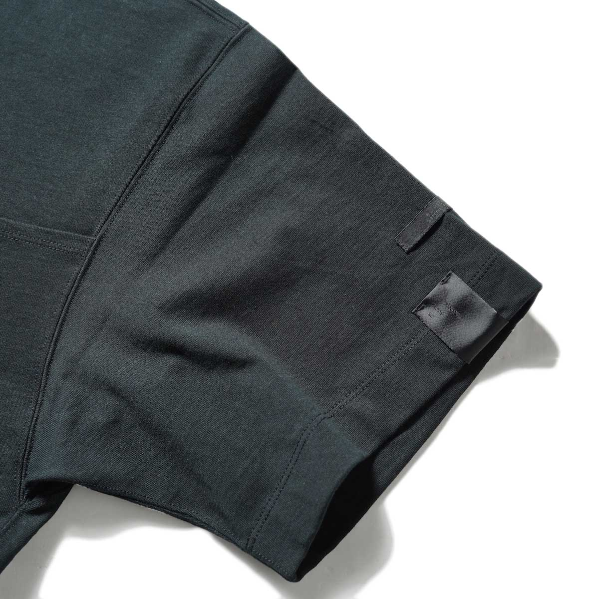 N.HOOLYWOOD / 2212-CS07-018 BIG T-Shirt (Black)左袖