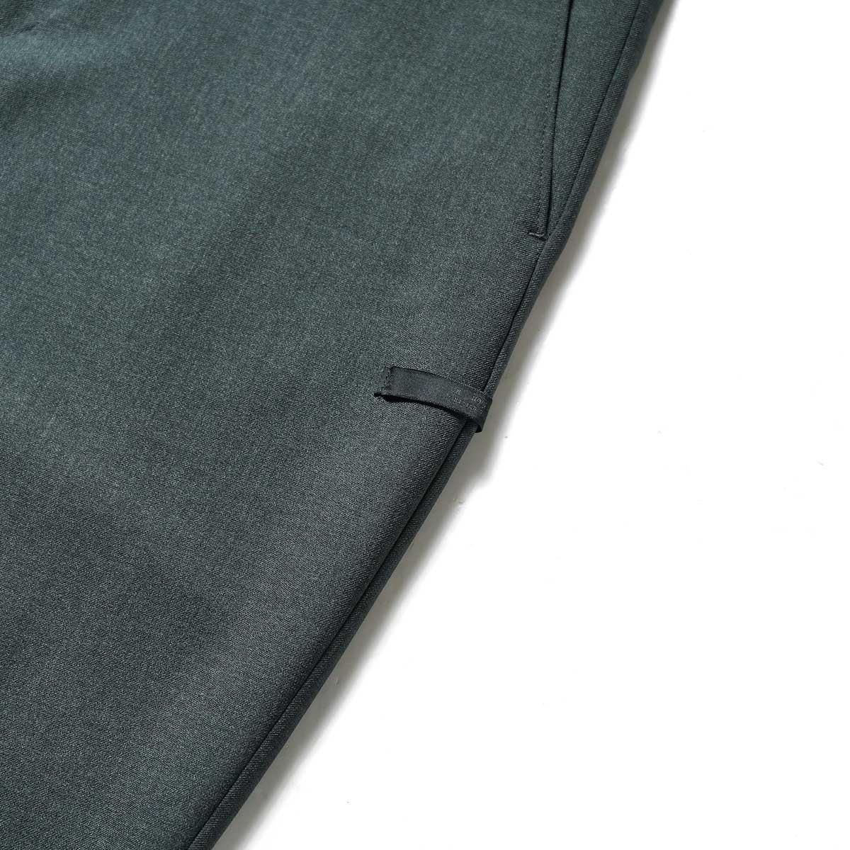 N.HOOLYWOOD / 2212-PT21-008 Flair Slacks (Charcoal)ネームタグ