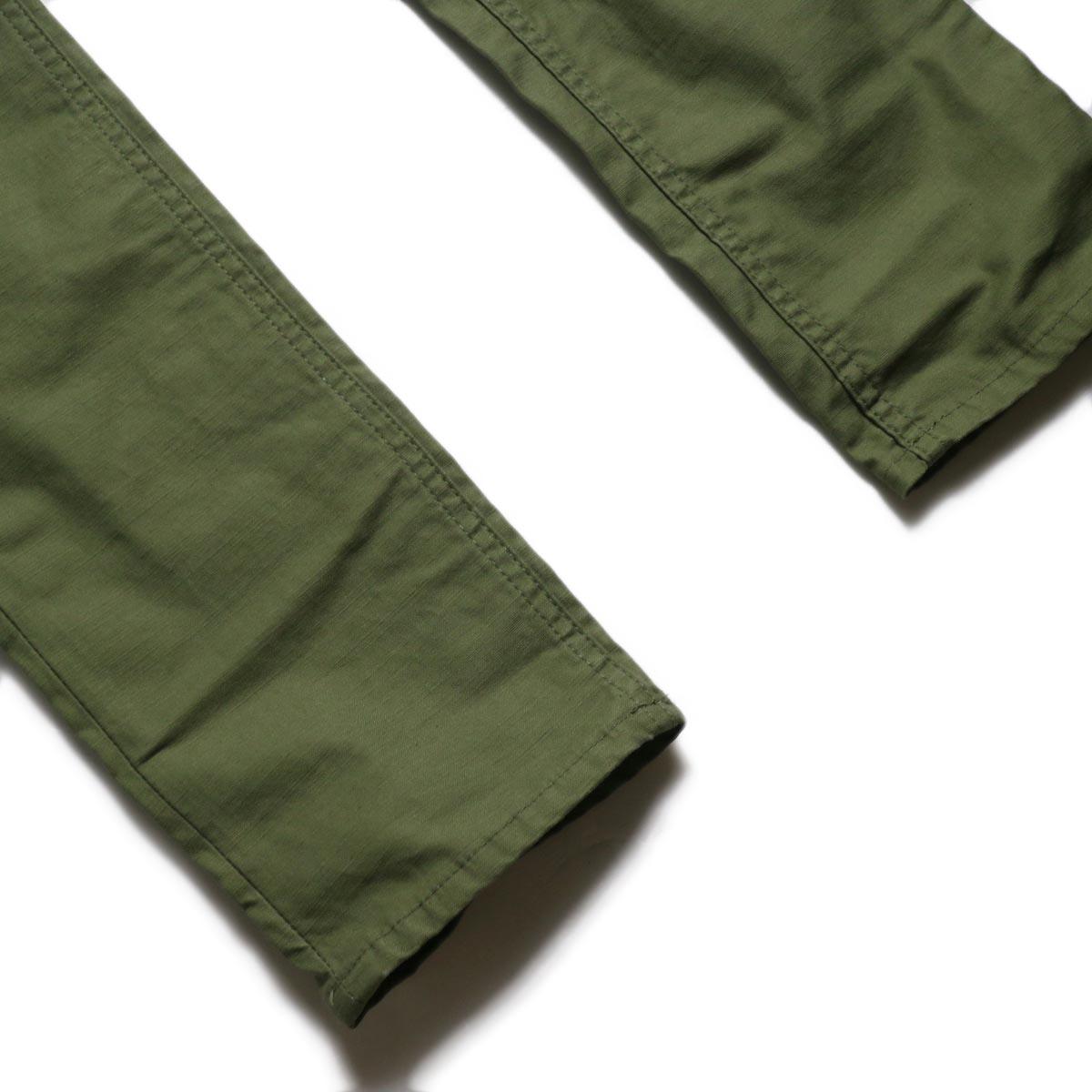 nonnative / DWELLER 5P JEANS DROPPED FIT C/P BACK SATIN STRETCH -Olive 裾