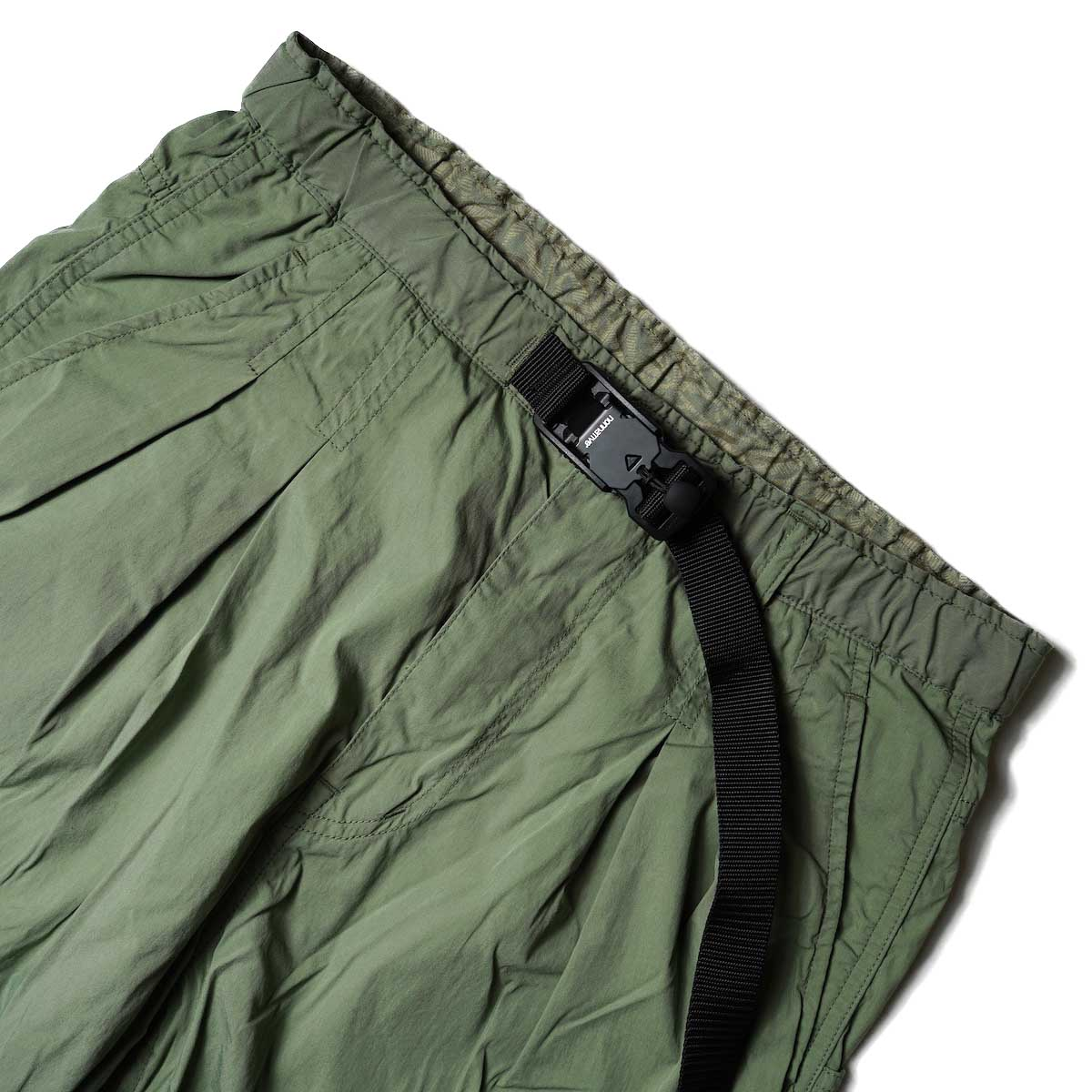 nonnative / ALPINIST EASY PANTS C/N TYPEWRITER WITH FIDLOCK® BUCKLE (Olive)ウエスト