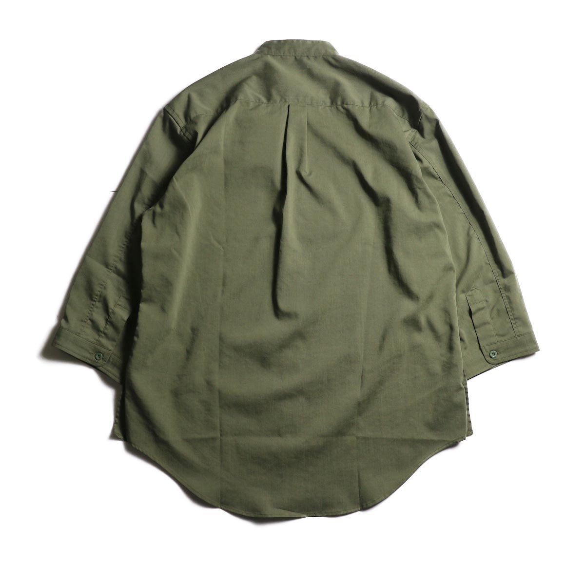 nonnative / OFFICER SHIRT Q/S RELAXED FIT P/L WEATHER STRETCH COOLMAX® (Olive)背面