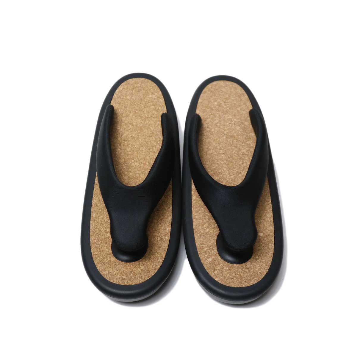 OJOJO /  Beach Sandal (Black Cork) 正面