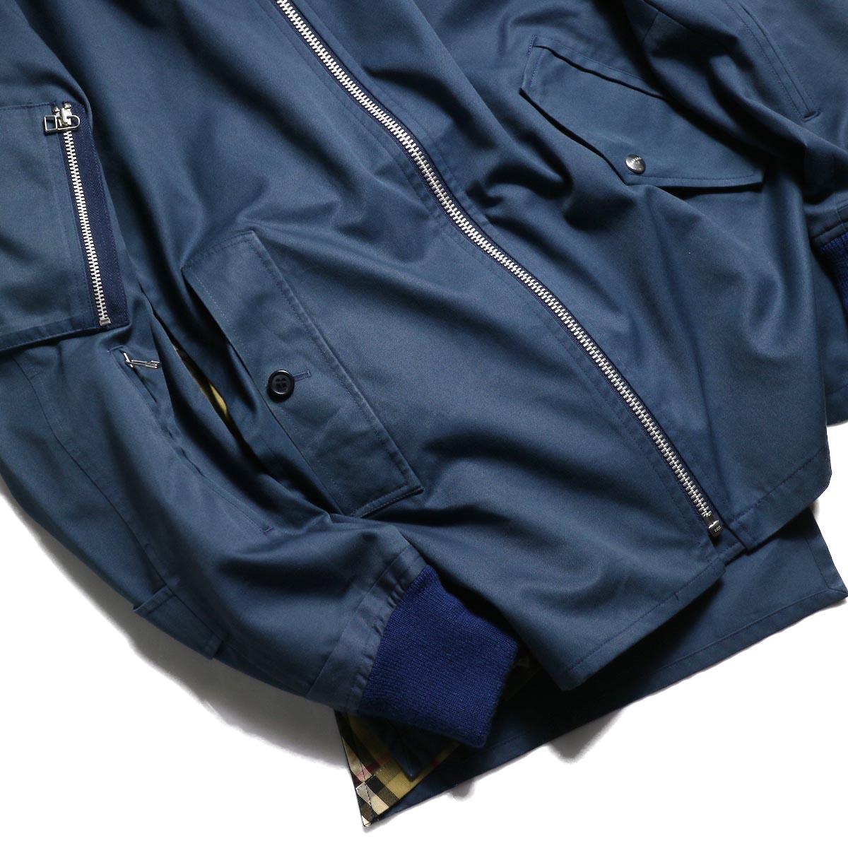 袖、シガレットポケット