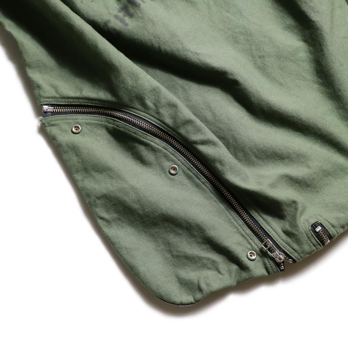 OLD PARK / LAUNDRY VEST BAG -Military zip