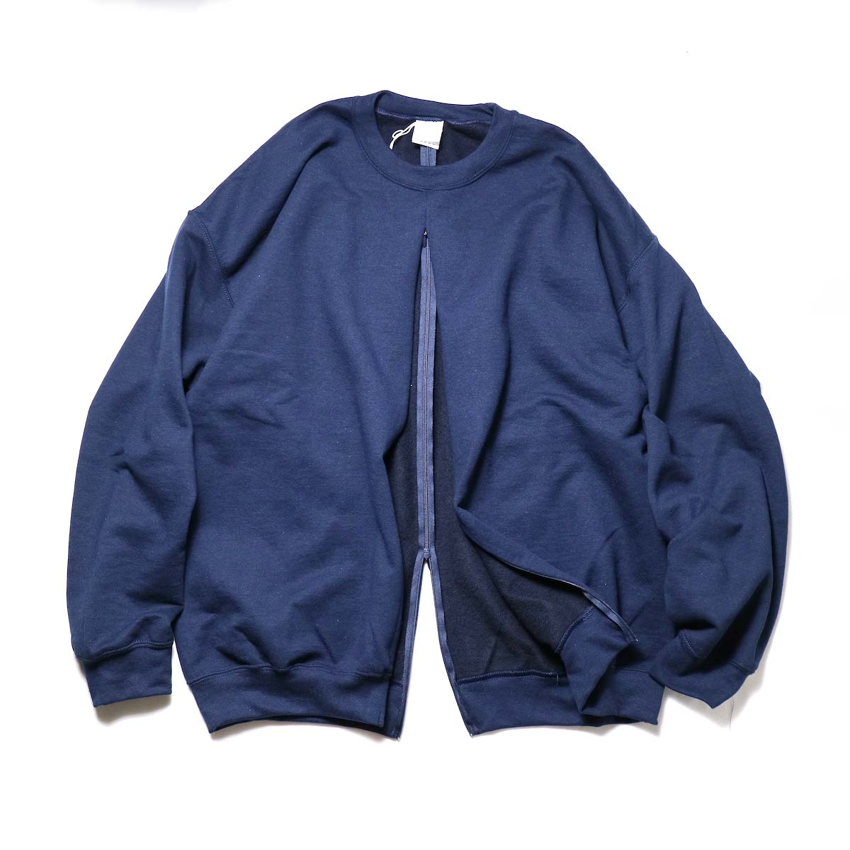 PRE_ / F&B OPEN SWEAT (Navy)正面