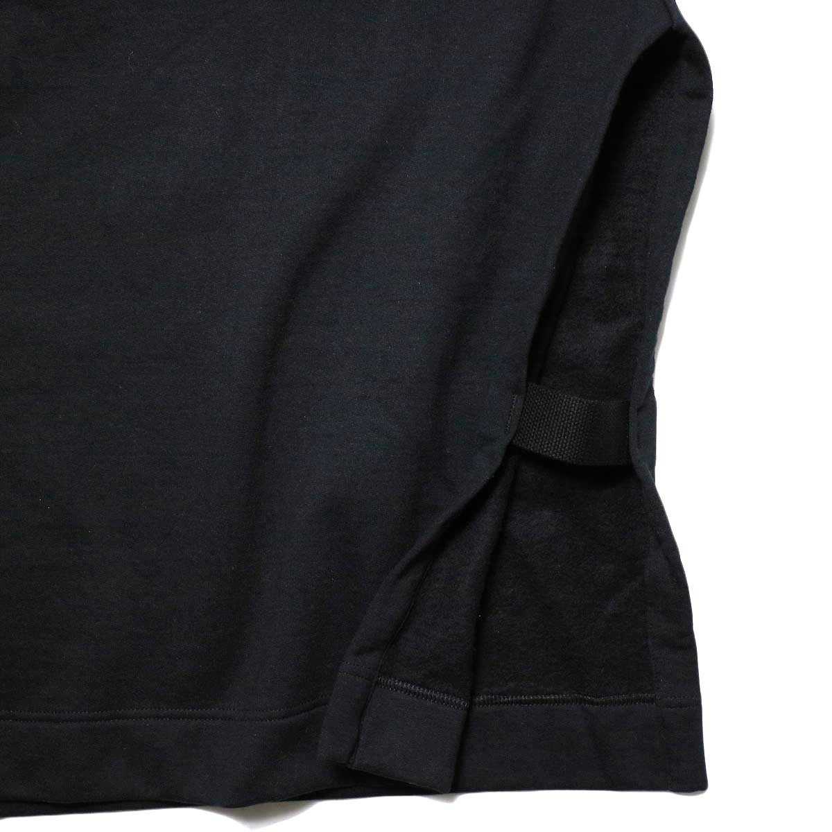 PRE_ / MOCK NECK SHORT (black) サイド