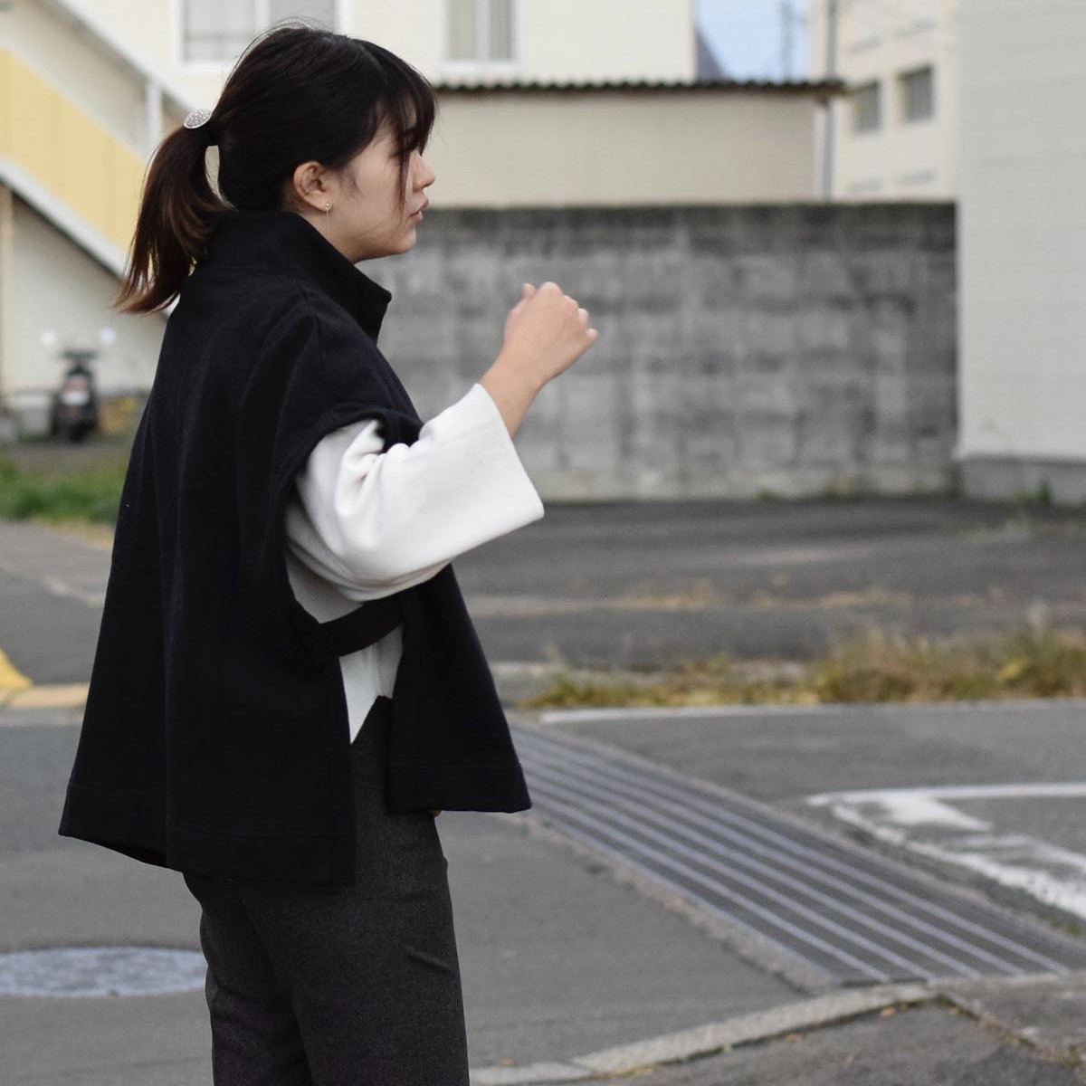PRE_ / MOCK NECK SHORT (black) 着用②
