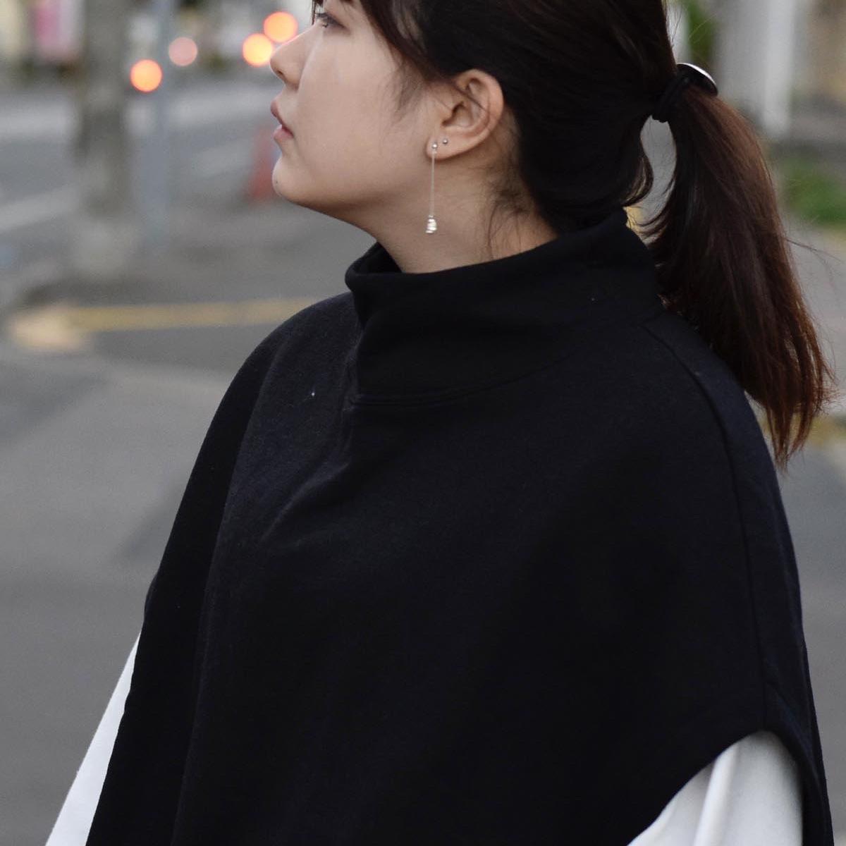 PRE_ / MOCK NECK SHORT (black) 着用①