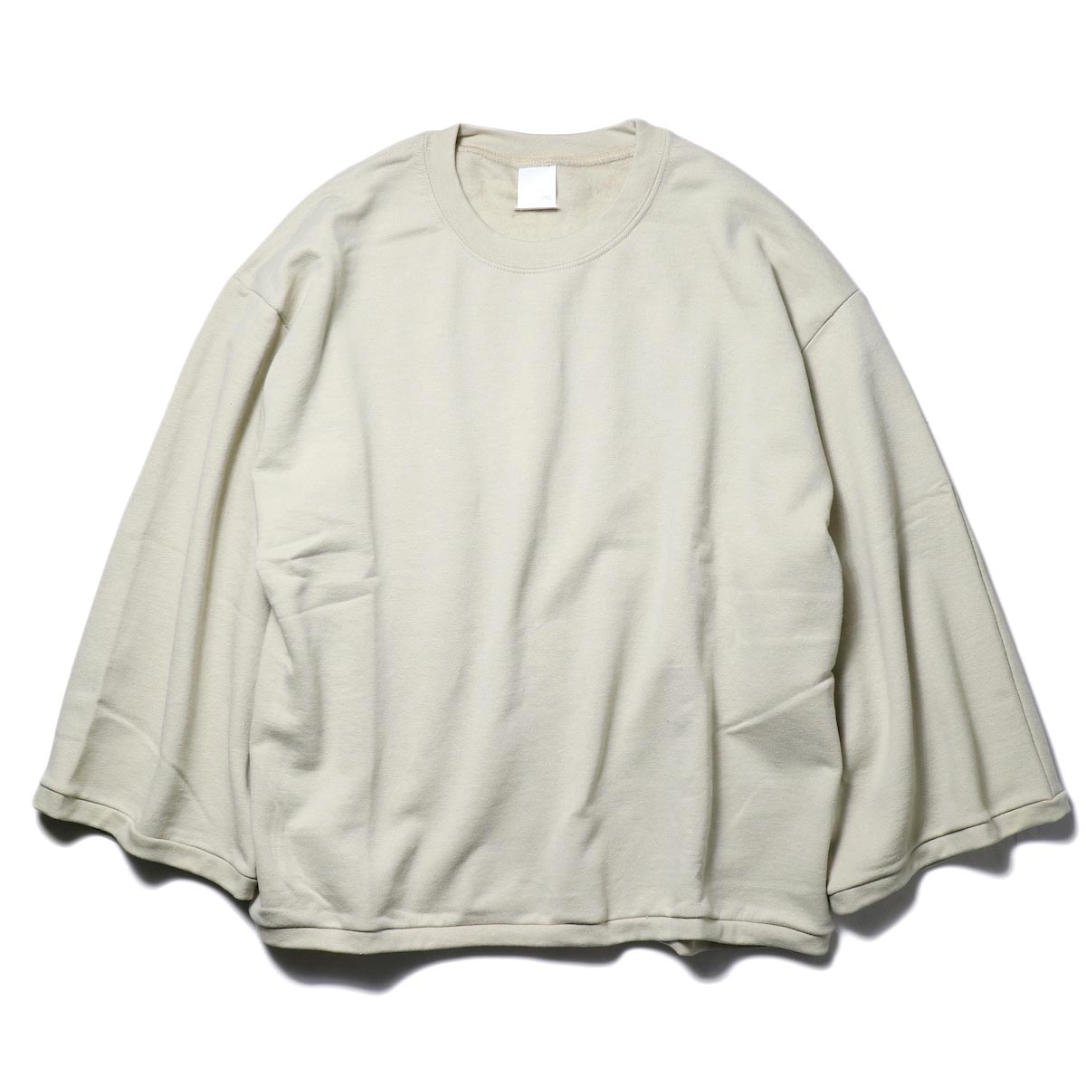PRE_ / WIDE SWEAT (sand) 正面