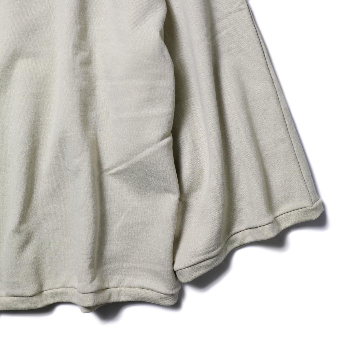 PRE_ / WIDE SWEAT (sand) 袖・裾