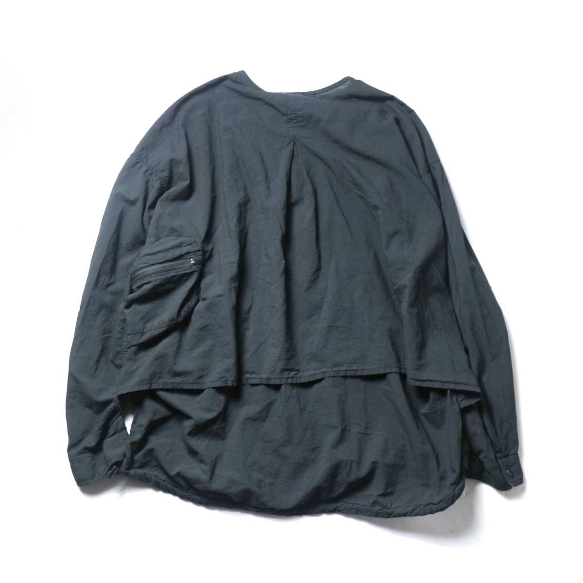 REMI RELIEF / ナチュラルコットンポケッタブルノーカラーSH (Black)背面
