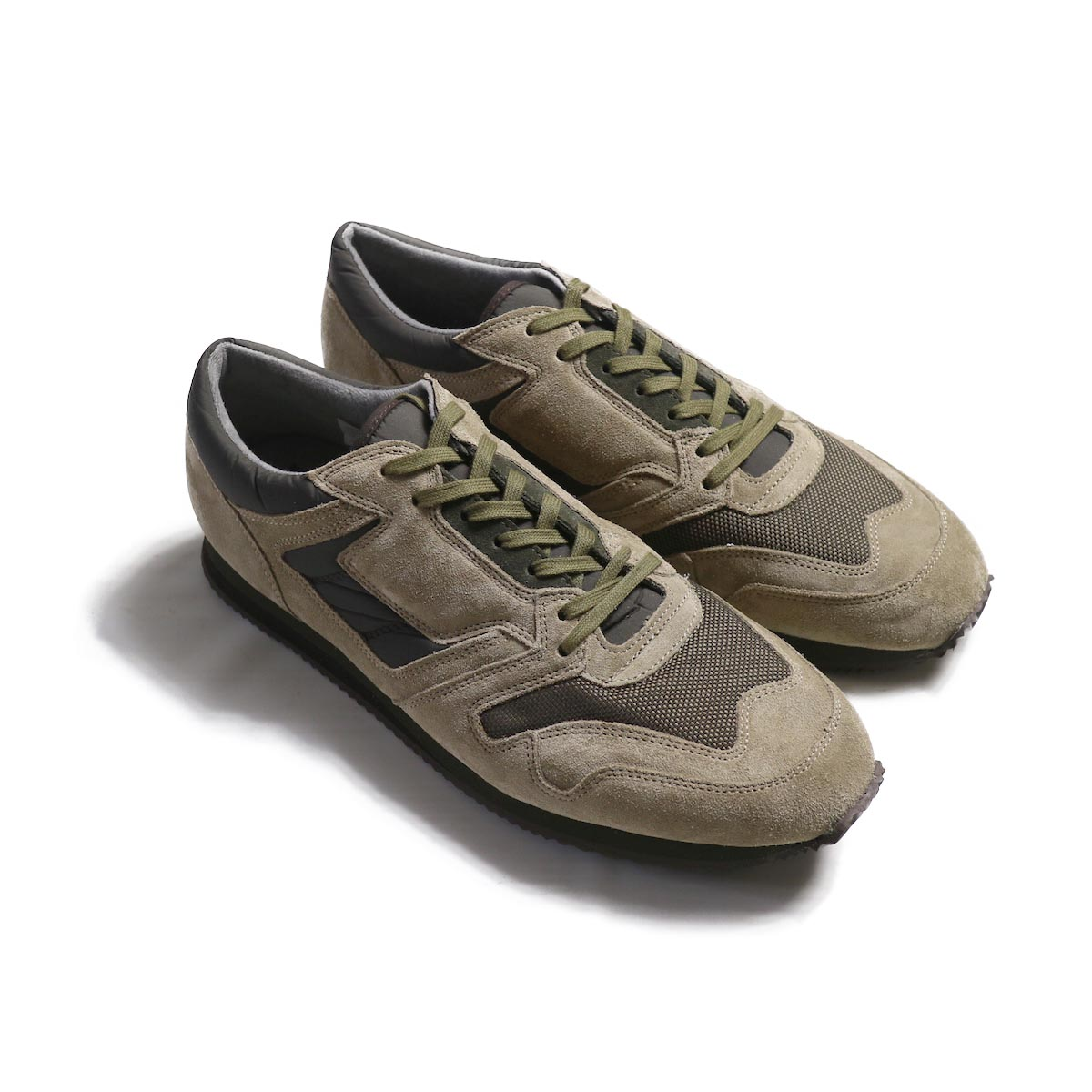REPRODUCTION OF FOUND / BRITISH MILITARY TRAINER -Beige/Olive