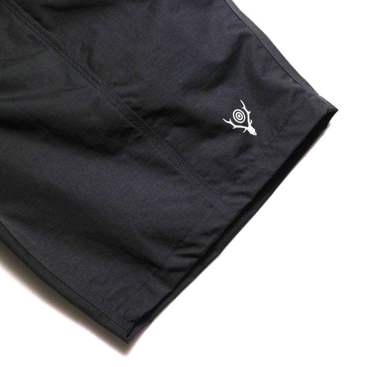 SOUTH2 WEST8 / Belted Center Seam Short -Nylon Tussore (Black) スソ