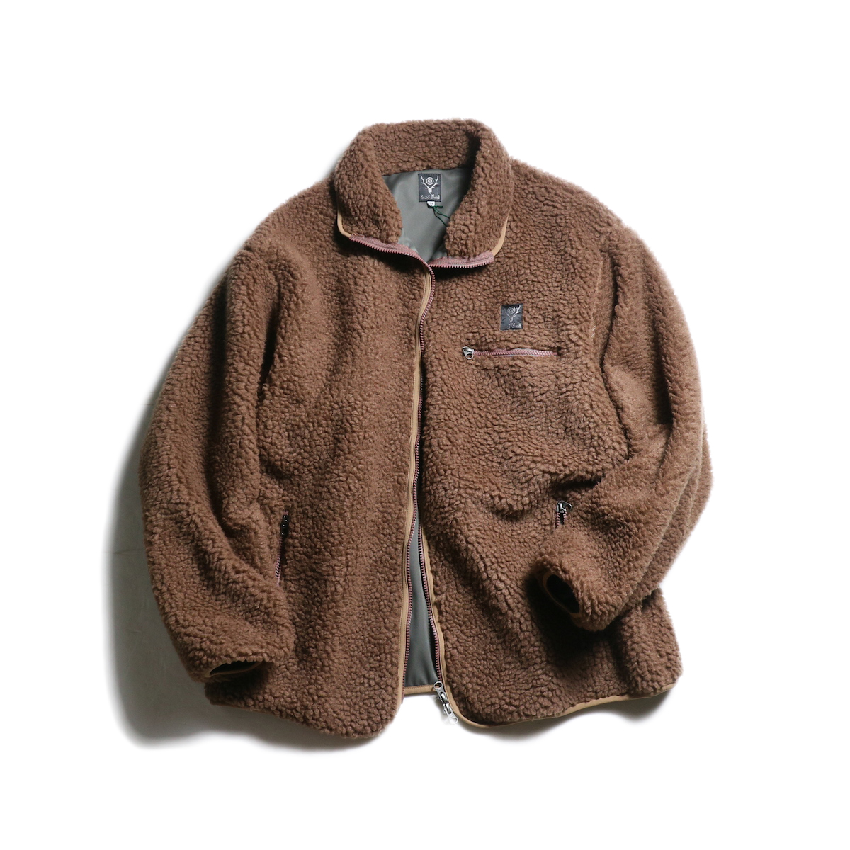 SOUTH2 WEST8 / Piping Jacket -Synthetic Pile (Mocha)