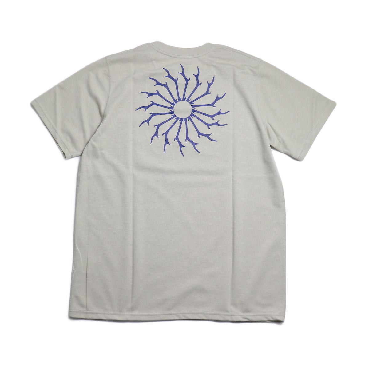 SOUTH2 WEST8 / Round Pocket Tee (Circle Horn) -Gray  背面