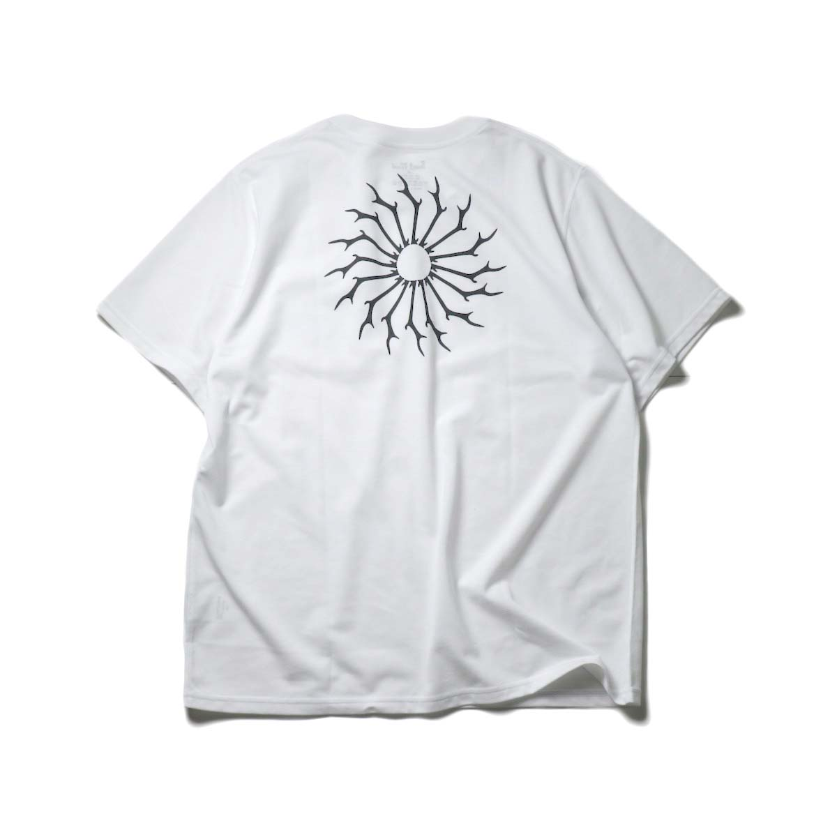 South2 West8 / S/S ROUND POCKET TEE - CIRCLE HORN (White)