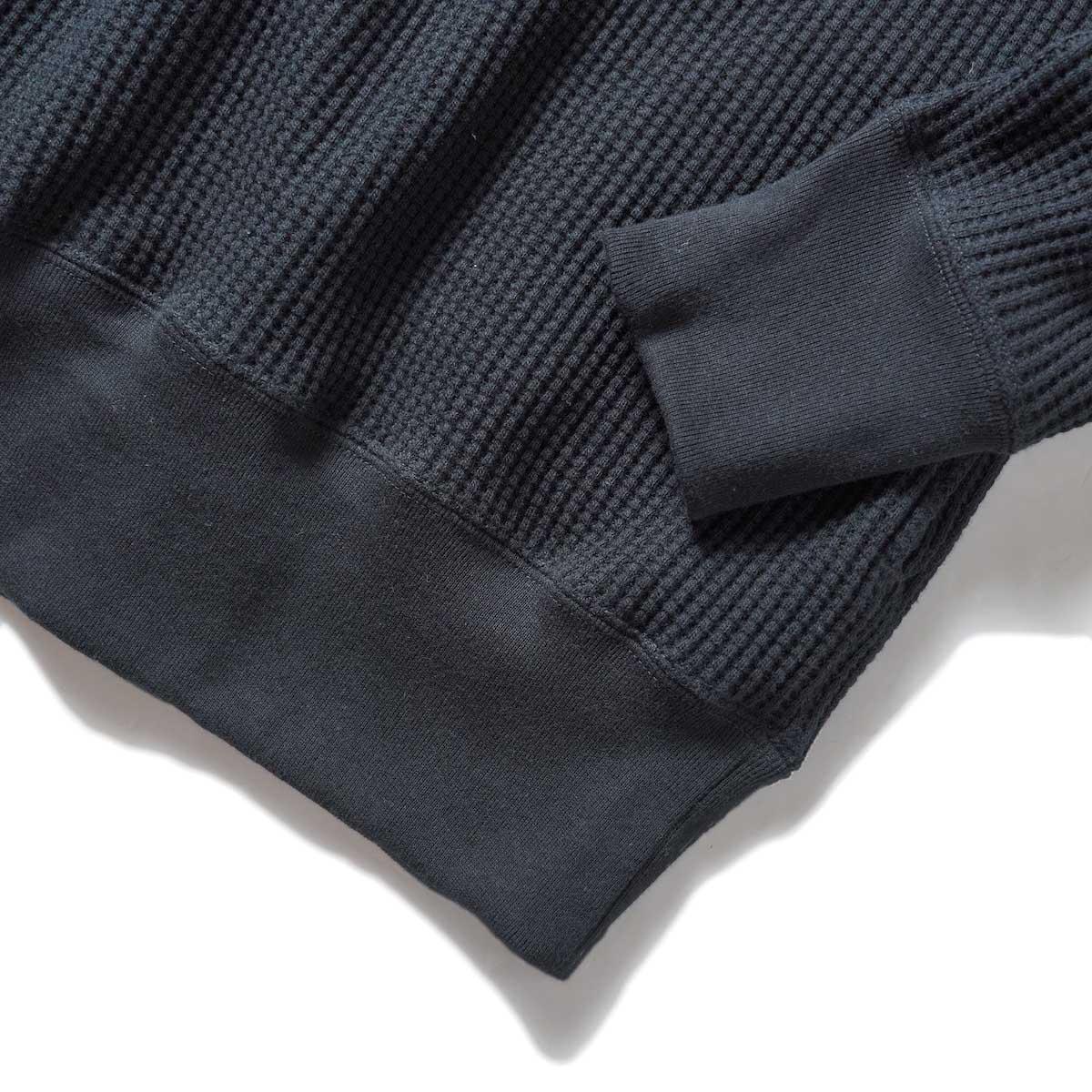 SOIL / TURTLE NECK L/SL (Black) 袖・裾