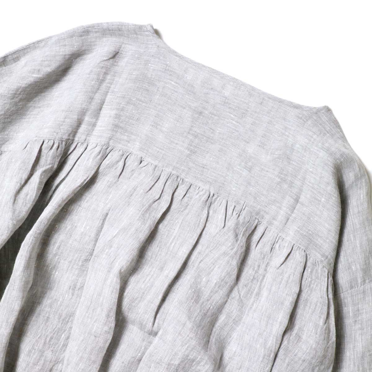 SOIL / GATHERED SMOCK (Grey) 背面ギャザー