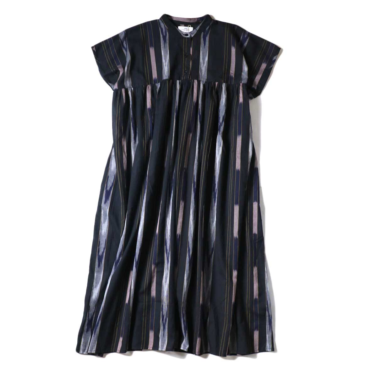 SOIL / BANDED COLLAR GATHERED DRESS (Black Base)