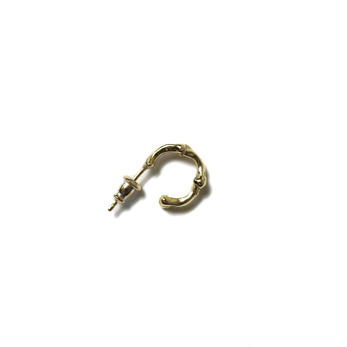 The Soloist. / sa.0044AW18 bone shaped earrings. -Gold