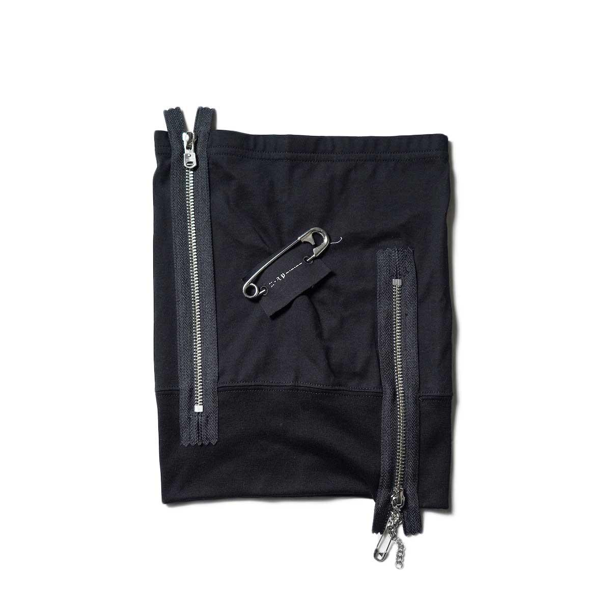 The Soloist / sa.0001bAW21 jersey neck warmer. (Black)