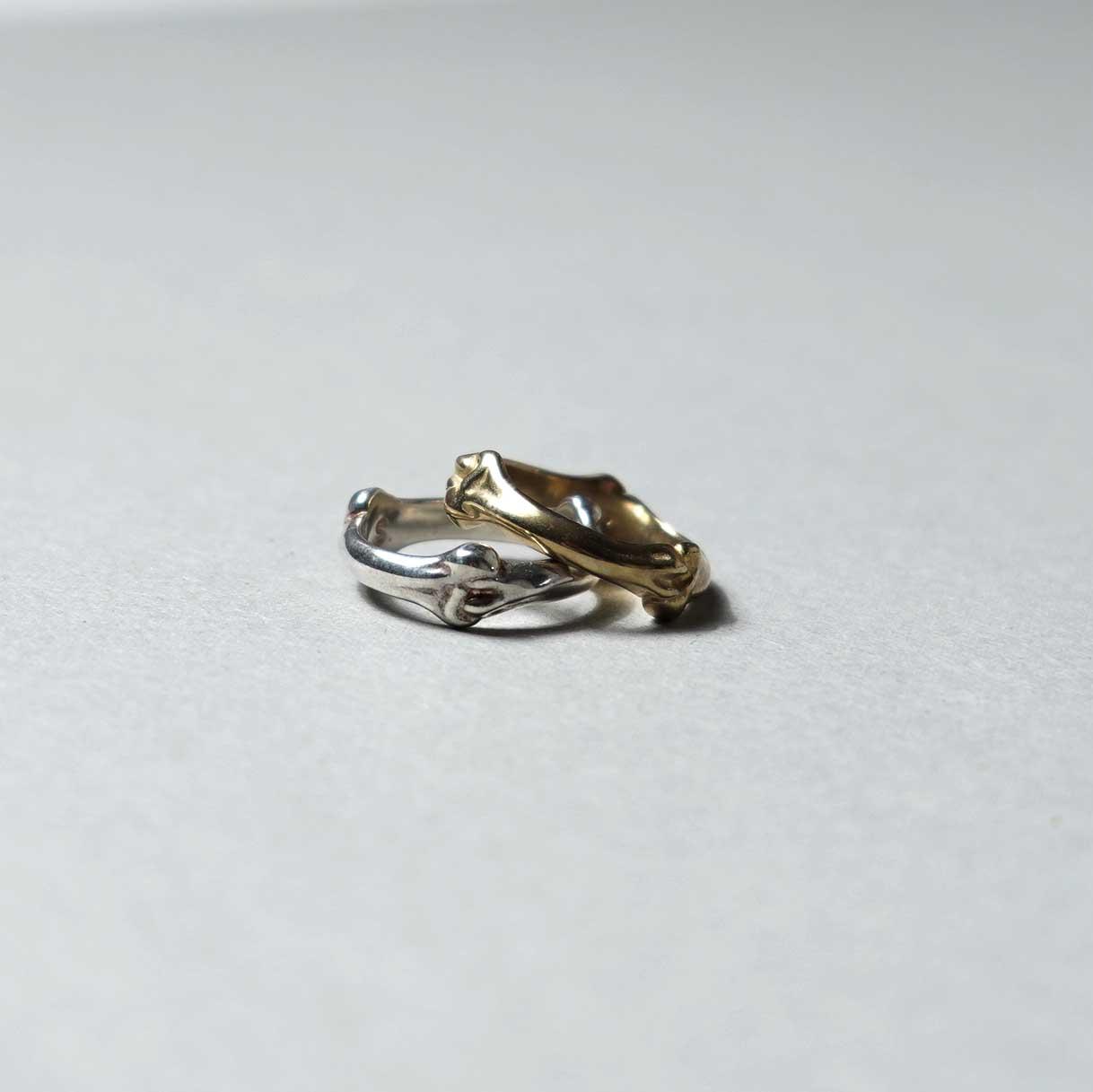 The Soloist / sa.0027SS21 bone shaped band ring.横から