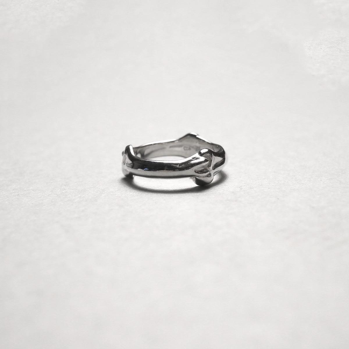The Soloist / sa.0029AW20 bone shaped band ring.横から