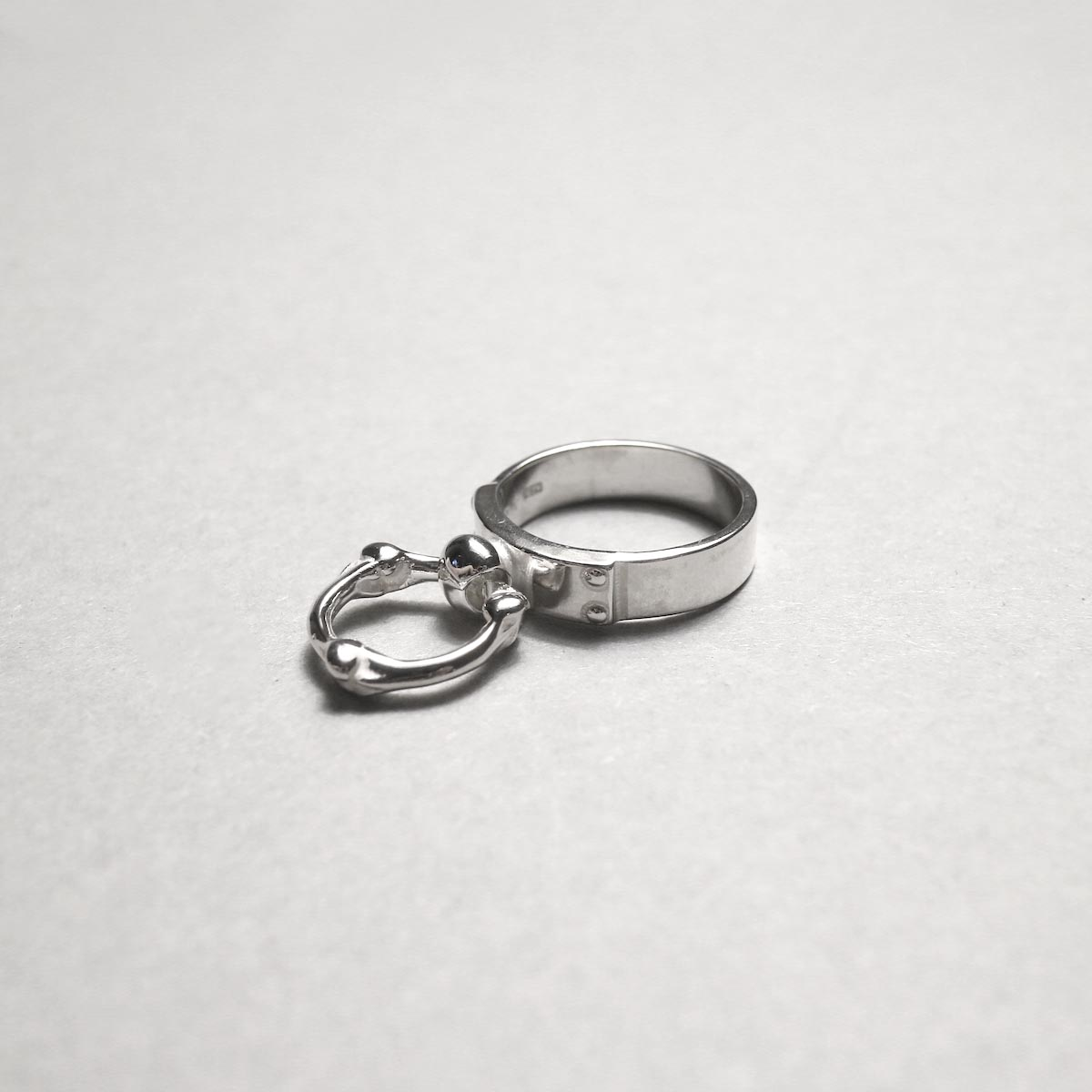 The Soloist / sa.0041AW20 single bone shaped ring narrow ring.トップ画像