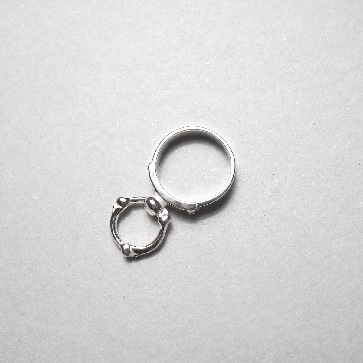 The Soloist / sa.0041AW20 single bone shaped ring narrow ring.上から
