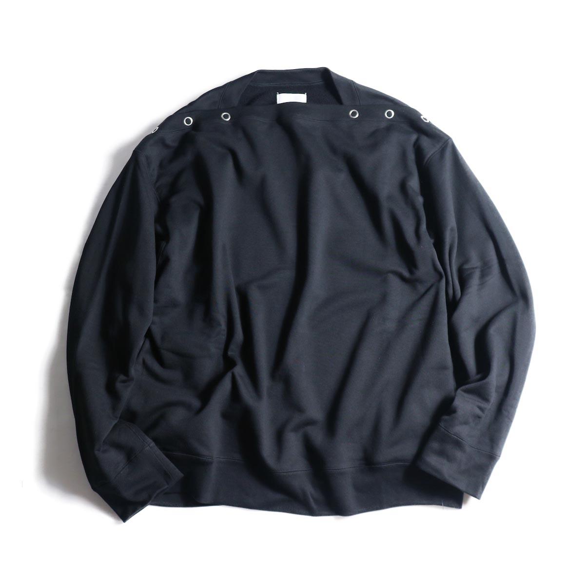The Soloist / sc.0001bAW20 shoulder buttoned boat neck sweatshirt. (Black)正面