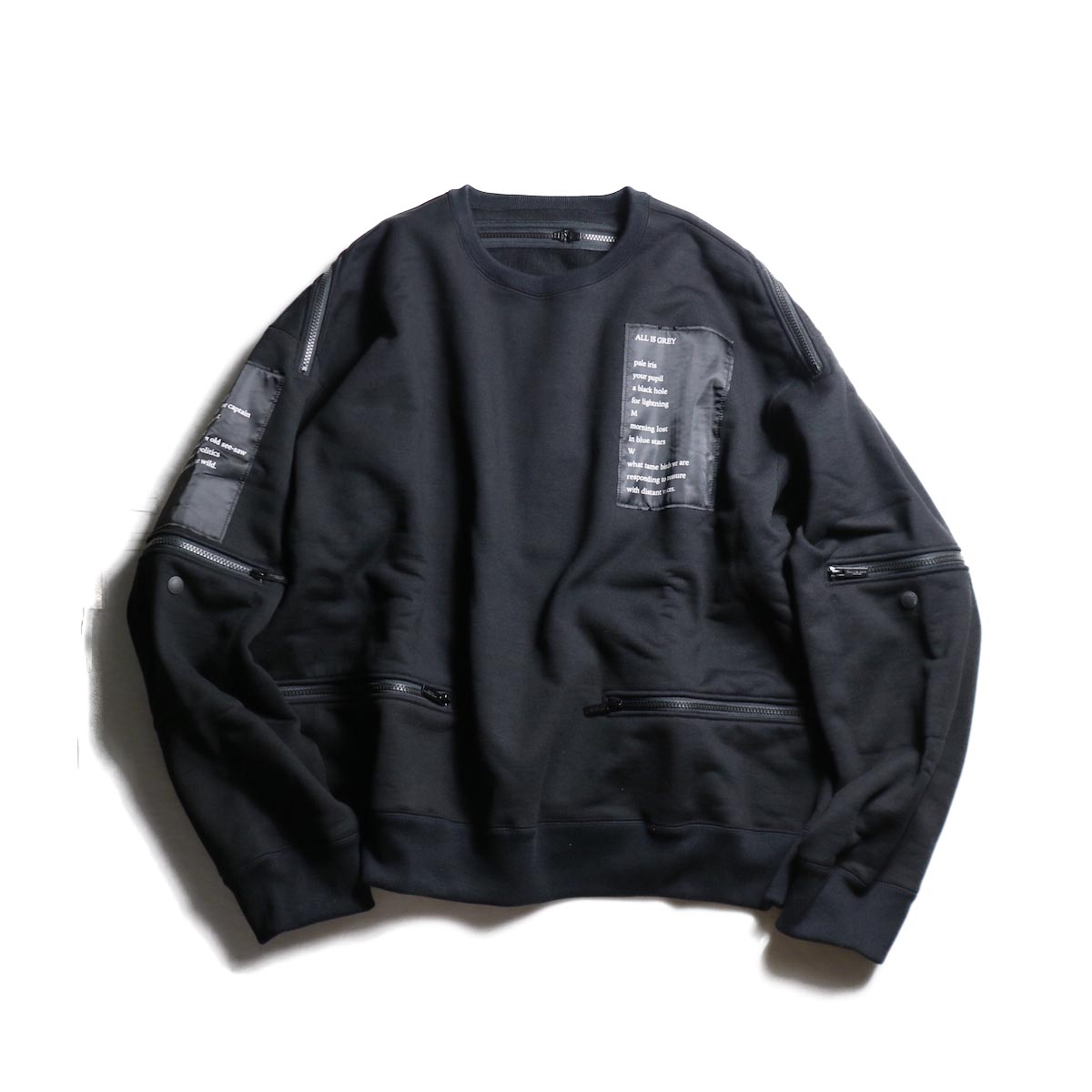 The Soloist / sc.0002aAW19 back zip crew neck l/s sweatshirt.  -Black
