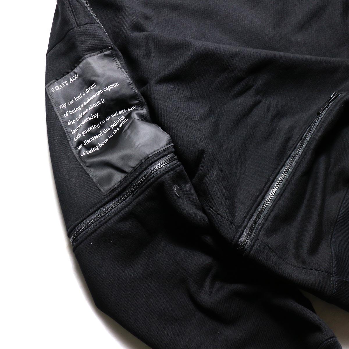 The Soloist / sc.0002aAW19 back zip crew neck l/s sweatshirt.  -Black 右袖