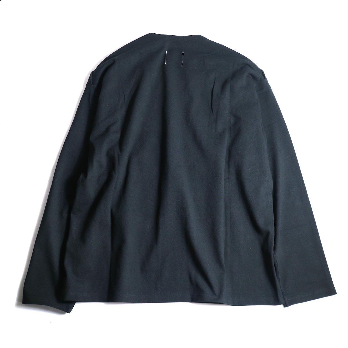 The Soloist / sc.0005bAW20 shoulder buttoned boat neck shirt. (Black)背面