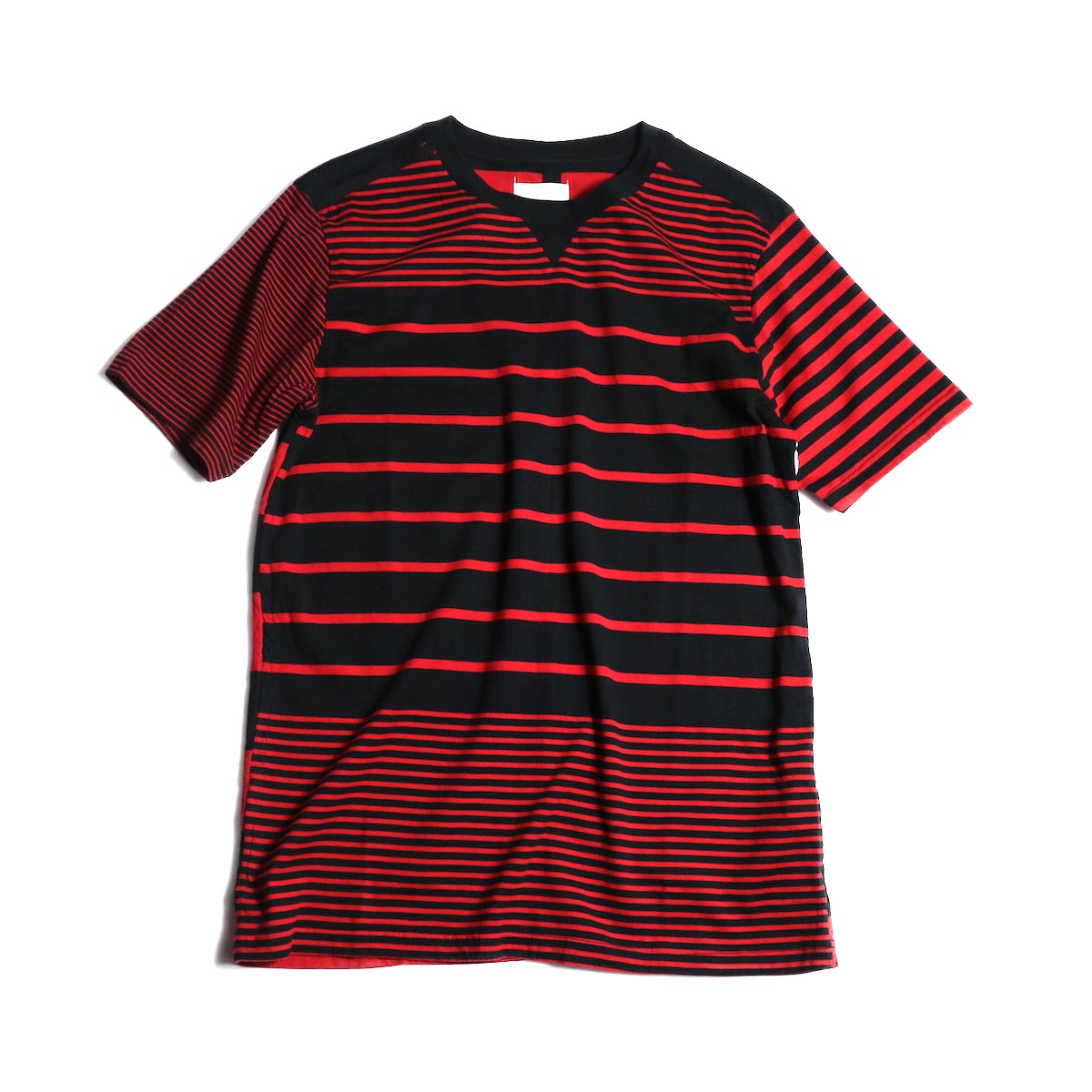 The Soloist / swc.0007b crew neck s/s tee (Red × Black)